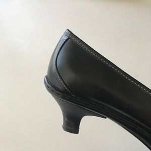Sofft Shoes - Sofft Black Heeled Loafers ShoesSize 8.5 EUC